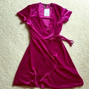 Dresses & Skirts - Magenta Velvet Wrap Dress